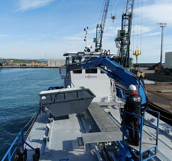 Oil Tanker crane
