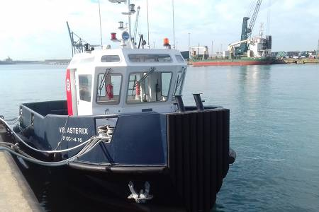 Harbour Tug, versatile tugboats for port use