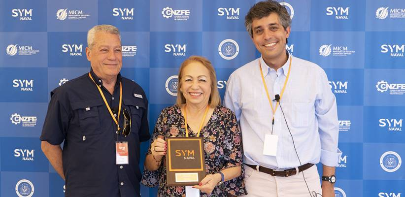 The Industry Minister and other Dominican Authorities visit SYM Naval's shipyard in Barcelona